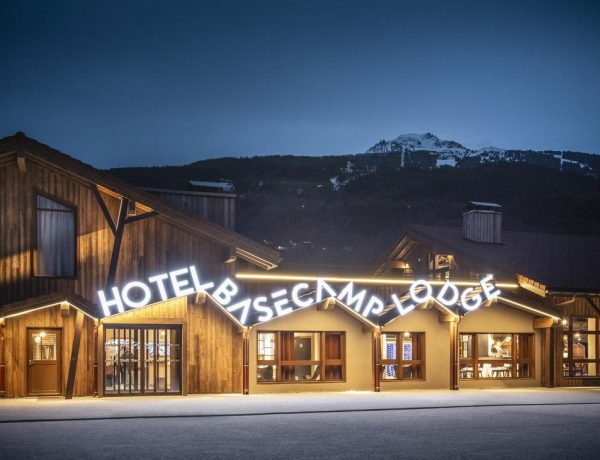 Base Camp Lodge Hotels