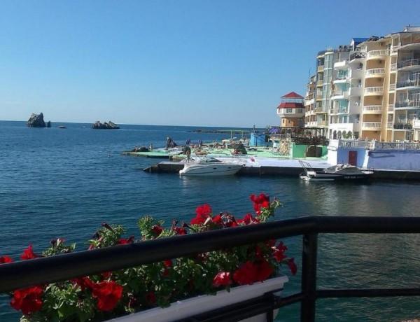 Гостиница Санта Барбара поселок Утес Крым